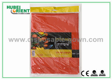 Breathable Polypropylene Disposable Table Cloth / Black And White Tablecloth For Hospital